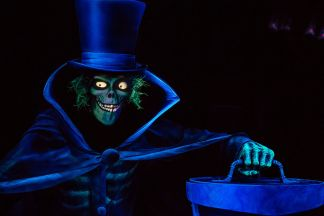 Disneyland_2015_Hatbox_Ghost_Photo