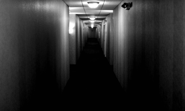 creepy_hallway_by_desideratidivivo